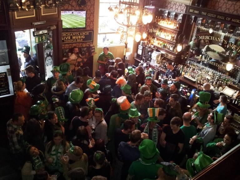 Pub w st. Patrick's Day