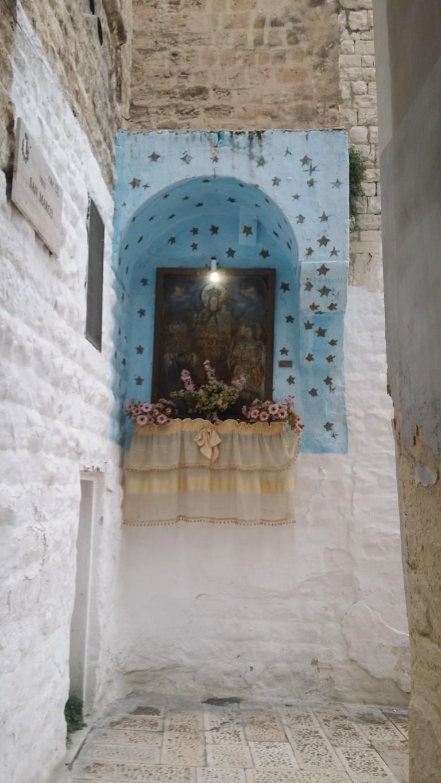 Bari - kapliczka w starym mieście