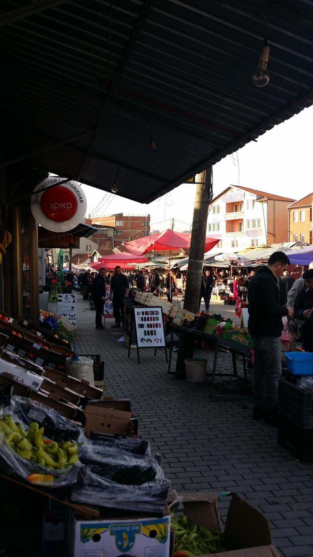 rynek w Prisztinie, Kosowo