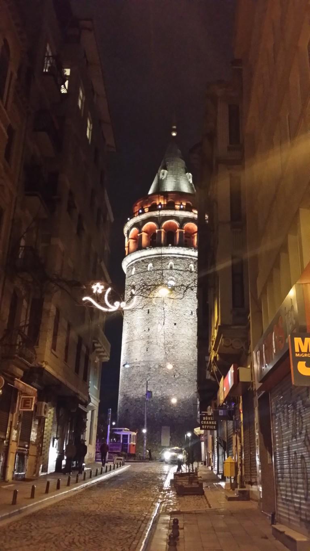 Wieża Galata nocą