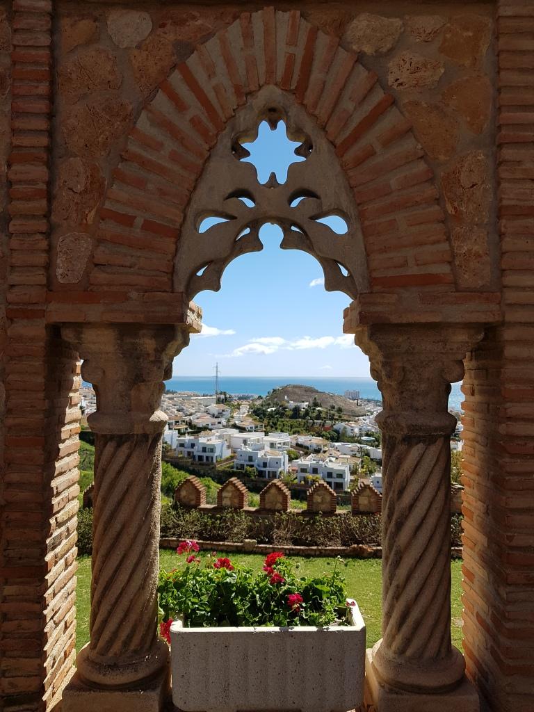 Castillo de Colomares zamek w Benalmadenie