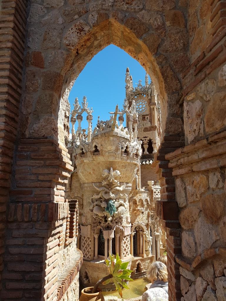 Castillo de Colomares, zamek w Benelmadenie