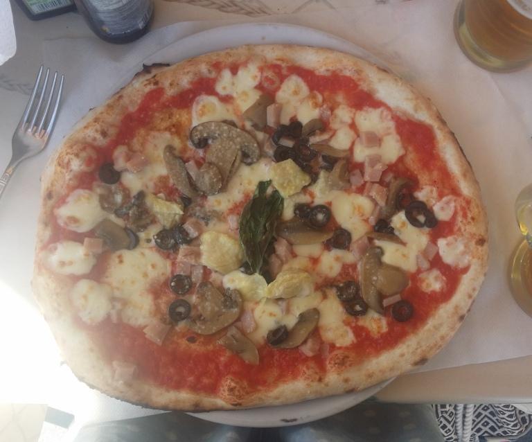 Pizza Ischia Neapol