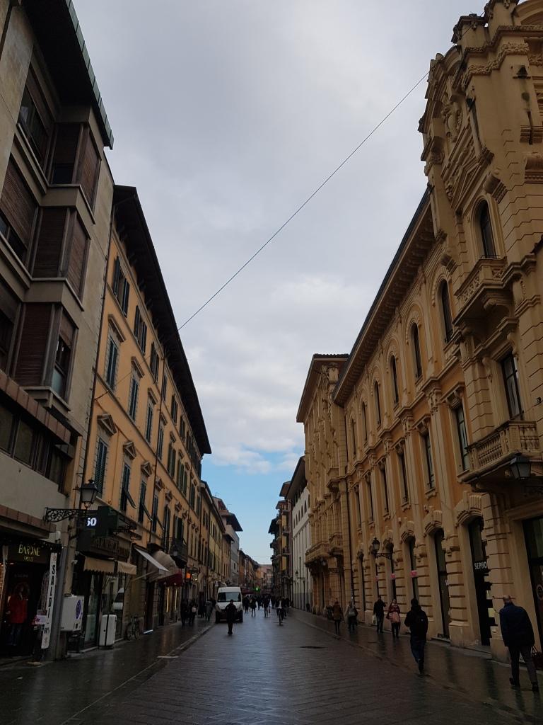 Piza, Wlochy, Corso Italia ulica sklepowa