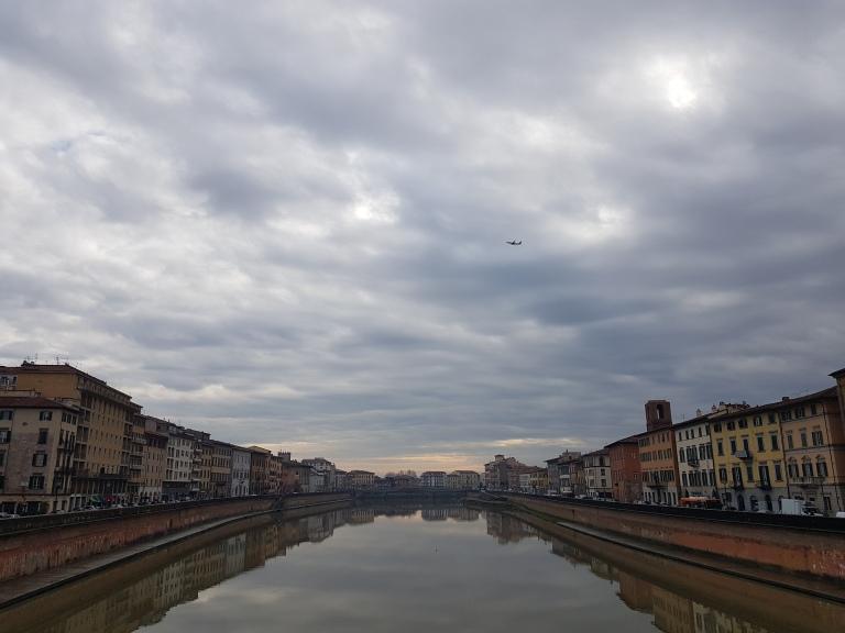 Rzeka Arno w Pizie