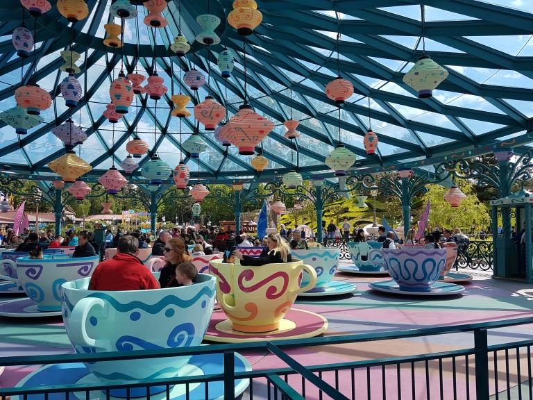 Disneyland, Alicja z Krainy Czarow.jpg