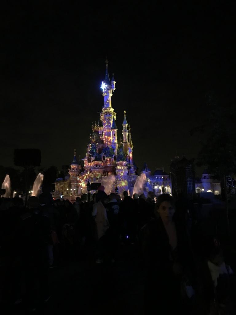 Disneyland, nocny pokaz fajerwerki
