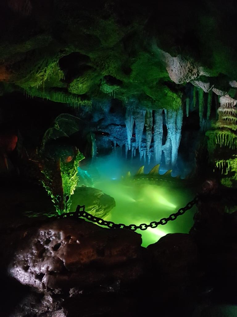 La Taniere du Dragon - smocza jama Disneyland