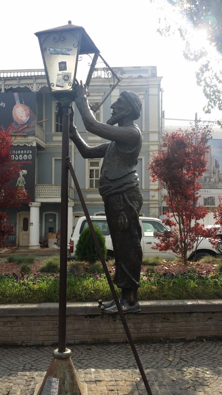 Tbilisi, Pomnik Latarnika